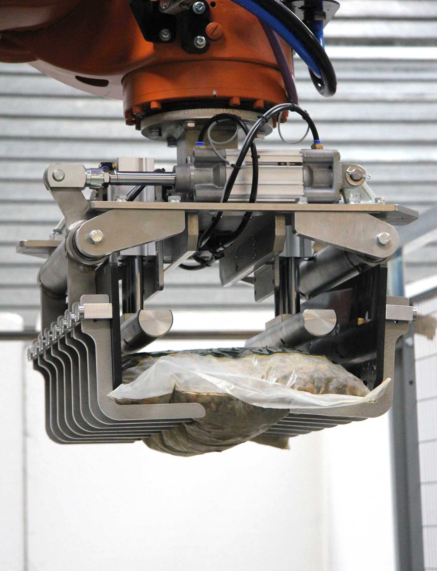 Linkx Packaging Robotics Aggregate Loading Gripper image